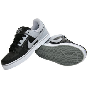 NIKE Mogan 2 SE (black/wolf grey)